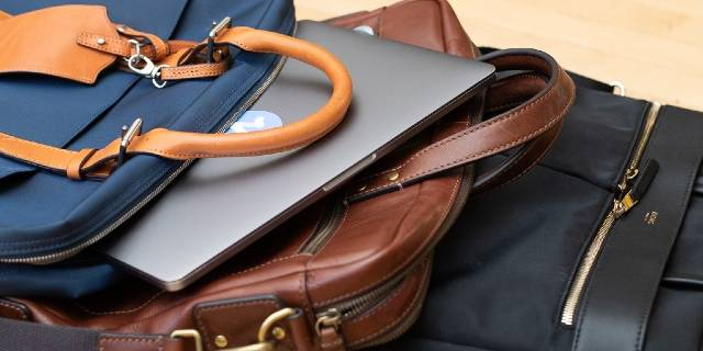 best-rolling-briefcases-for-men