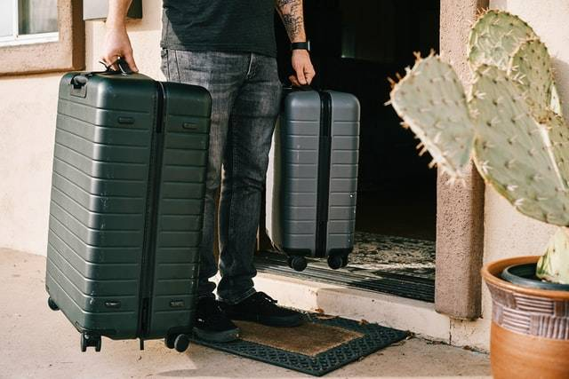 best-zipperless-luggage